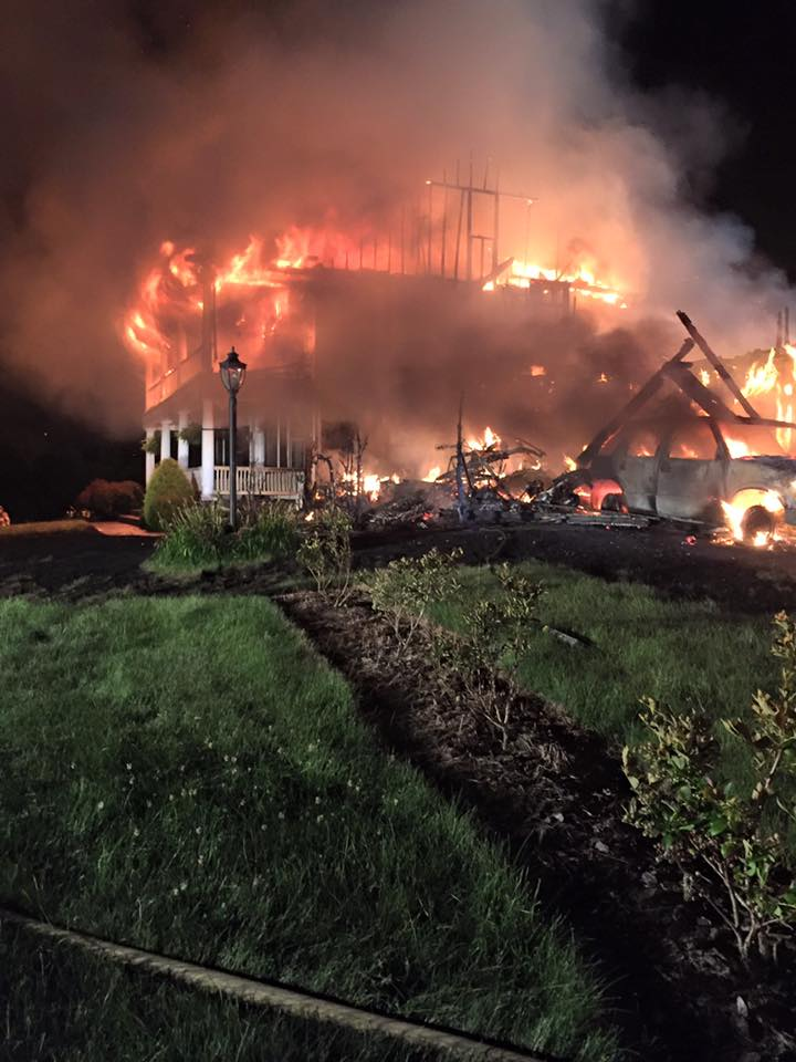 The Engine Room From Way Back: RESCUE-ENGINE RUNS MARYSVILLE HOUSE FIRE